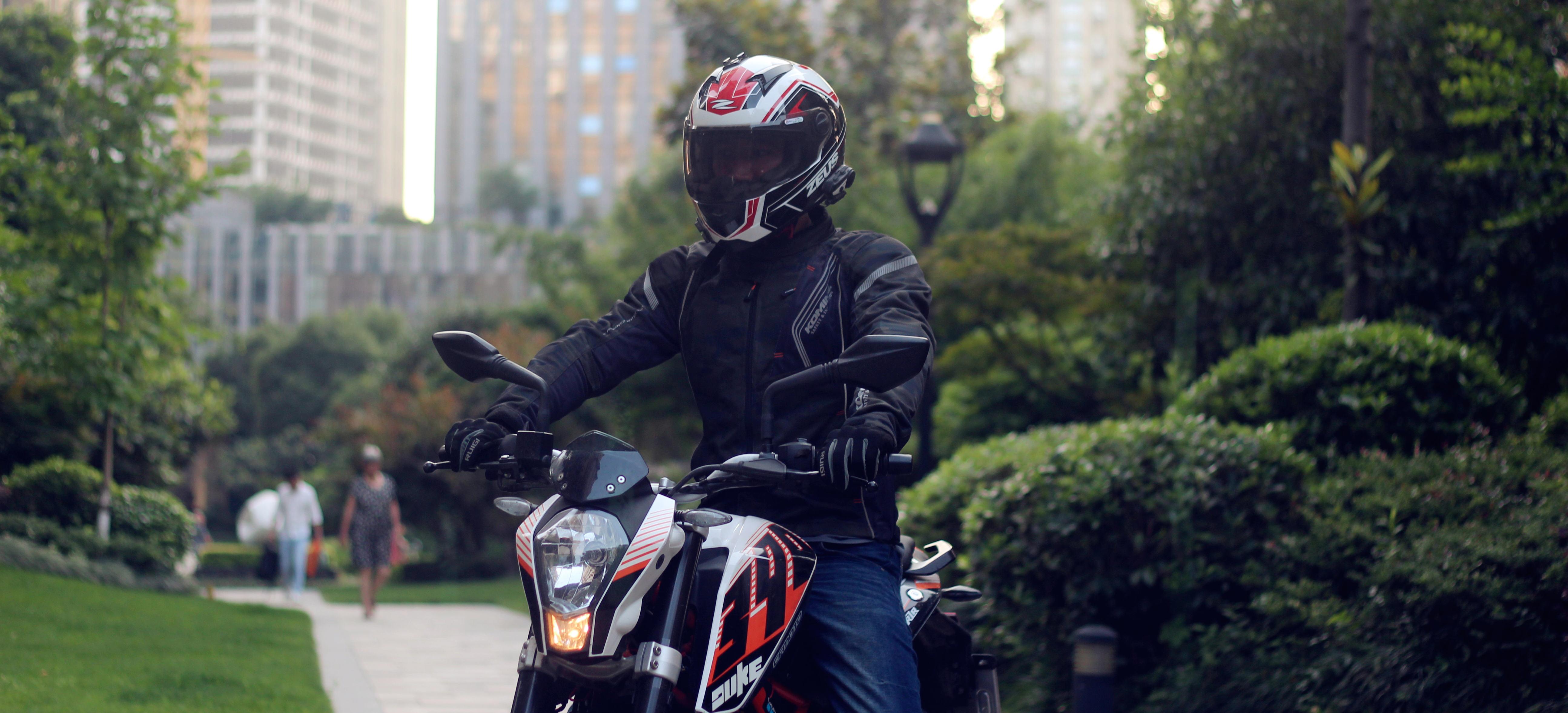 骑行装备 篇一:摩托车运动装备—Komine JK-128 夏季网眼骑行服开箱